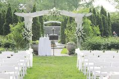 Gorgeous and FUN wedding at the Indianapolis Museum of Art this past weekend.
