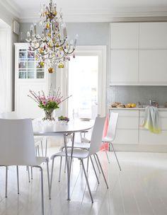 Binnenkijken in een appartement vol kleur - woonblog