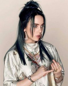 billie eilish Билли Эйлиш 比利 粉 利希 بيلي ايليش बिली इलिश Billy Elish - billie eilish Билли Эйлиш 比利 粉 利希 بيلي ايليش बिली इलिश - Billie Eilish, Pretty People, Beautiful People, Beautiful Pictures, Video Interview, Mode Ulzzang, Dibujos Cute, Blue Hair, Celebs