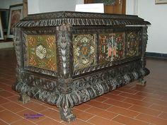 Cassa del pittore Mura (ancient chest). Aritzo, Sardinia.