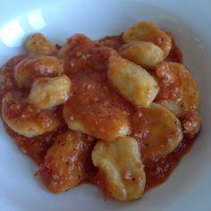 Gnocchi di patate al sale e ragu di vitella nana russa