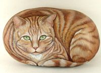 Hand painted rock Cat Portraits on stone: I have been painting rocks for 12 years now; started from Lin Wellford's books; but this woman's artwork is absolutely stunning! A must see!