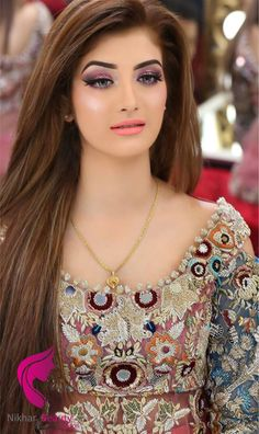 Nys Makeover In 2019 Pakistani Bridal Hairstyles Bridal Pakistani Bridal Makeup, Bridal Mehndi Dresses, Pakistani Wedding Outfits, Pakistani Bridal Hairstyles, Saree Hairstyles, Bride Hairstyles, Hd Make Up, Bridal Makeover, Braut Make-up