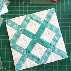 The Lattice Quilt Block This block is a quick and easy block that can be very visually striking when the right colour/print combinations are made. Full Post: The Lattice Quilt Block Tutorial