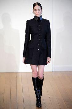 Philosophy di Lorenzo Serafini Fall 2010 Ready-to-Wear Fashion Show - Vanessa Hegelmaier