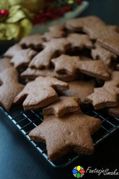 Pierniczki świąteczne - najprostsze i najpyszniejsze http://fantazjesmaku.weebly.com/blog-kulinarny/pierniczki-swiateczne-najprostsze-i-najpyszniejsze