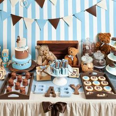 Baby shower candy table for boy classic blue and brown teddy bear themed boy baby shower . baby shower candy table for boy baby Baby Shower Azul, Baby Shower Oso, Deco Baby Shower, Baby Shower Sweets, Teddy Bear Baby Shower, Boy Baby Shower Themes, Shower Party, Baby Shower Parties, Baby Shower Ideas For Boys Decorations