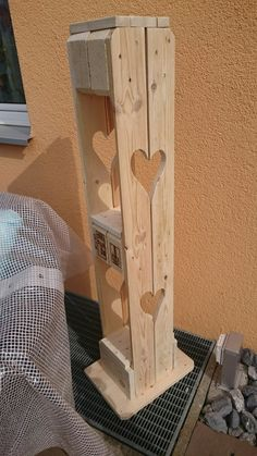 Kerzenständer aus Palette The Gambit, Breath Of Fresh Air, Craft Beer, Wood Projects, Bookends, Create Your Own, Pallet, Artsy, Things To Come