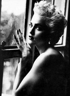 Мадонна.  Фото: Herb Ritts.