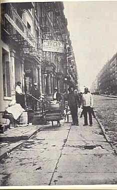 """The beginning of the great migration"" James Van Der Zee - Harlem Renaissance Photographer - Collar City Brownstone"
