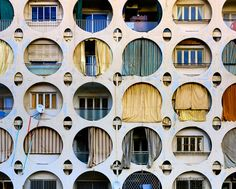 Hole facade- is it the one in Lebanon ? Classification Des Arts, Architecture Design, Windows Architecture, Pavilion Architecture, Chinese Architecture, Architecture Office, Futuristic Architecture, Design Floral, Architectural Features