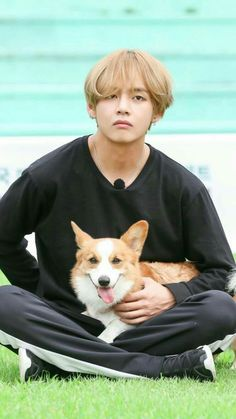 Awww look at the cutie oh and the dog looks nice too