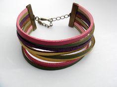 Bracelet manchette multirang simili cuir rose, kaki, doré, et prune - by Le Bazar