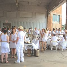 Dinner en Blanc - Amarillo, Texas style....can't get an invite? Host your own
