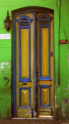 Puertas en el mundo, Buenos Aires, La Boca, colores  azul  amarillo  verde