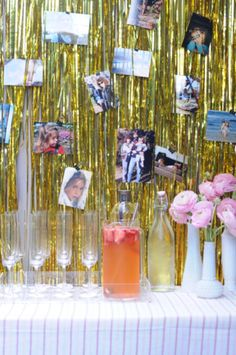use tinsel streamers for hanging photos