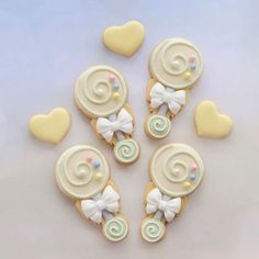 Sweet baby rattle video tutorial Cutter from @sweetsavannacookies Royalty free music WaterLilly #babyshowercookies #babyrattle #rattlecookies #cookieart #foodart #cutecookies #cookiesofinstagram #instabake #instacookies #edibleart #foodporn #foodshare #foodgasm #cookietutorial #videotutorial #instavideo #tutorial #video #instagood #decoratedcookiesnz #cookieliciousnz