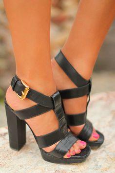 VIVALUXURY black shoes