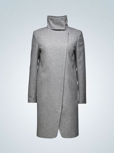 It is lovely but on someone else, doesn't suit my body - Cayla coat