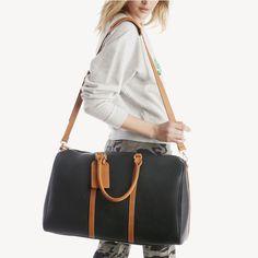 a42b4e0e5bda 10 Vegan Handbags   Purses That Prove You Don t Need Leather To Be Stylish