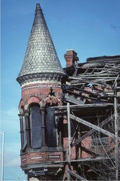 Photo credit: Camilo Jose Vergara, 2008. Ransom Gillis house, Brush Park, Detroit.