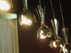 Spoon lighting. A brilliant idea !
