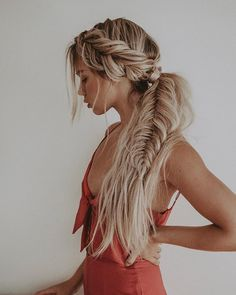 >>>Cheap Sale OFF! >>>Visit>> Gorgeous Fishtail Braid Styles You Must Try in 2019 You can see here our most valuable and amazing ideas of fishtail braids for long hair to show off right now. This is one of the best braid styles for every woman to wear in Braided Ponytail Hairstyles, Bohemian Hairstyles, Pretty Hairstyles, Boho Hairstyles For Long Hair, Ponytail With Braid, Fashion Hairstyles, Hairstyle Ideas, Updo For Long Hair, Side Braids For Long Hair