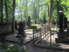 Hietaniemen hautausmaa. Graveyards, Helsinki, Angels, Plants, Life, Historia, Angel, Plant, Planets