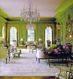 Winfield House in London – The US Ambassador's Residence. Green Room with century chinoiserie wallpaper, Decorated by William Haines 1969 Beautiful Interiors, Beautiful Homes, Winfield House, Chinoiserie Wallpaper, Green Rooms, Green Walls, Classic Interior, Interiores Design, Architecture