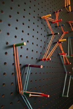 painel com furos, pins e linhas