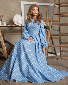 Mavi puantiyeli elbise