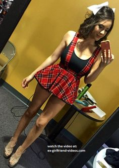 That girl is nothing but legs and titts! Two of my favorite things!!