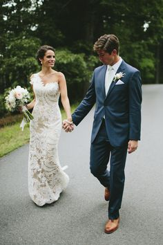 HER DRESS. Amazing couture one shoulder lace wedding dress | http://www.weddingpartyapp.com/blog/2014/09/17/romantic-wedding-biltmore-lime-green-photography/