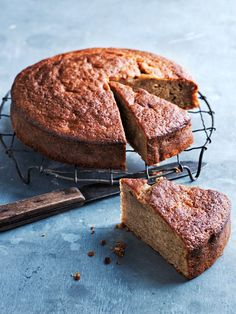 one-bowl banana cake