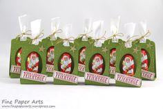 Ich befinde mich gerade in der Bastel-Massenproduktion :-) Denn es gibt so viele Menschen denen ich gerne eine Kleinigkeit zu Weihnachten mitgeben möchte…dafür sind die kleinen hübsch verpack…