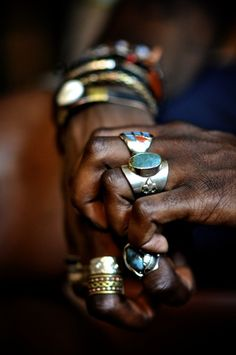 Rings, bracelets and hands. (reliquarysf.tumblr vs. thesoulshiner, via elhieroglyph)