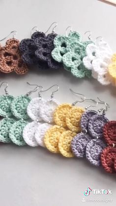 Crochet Leaf Patterns, Crochet Earrings Pattern, Crochet Jewelry Patterns, Crochet Symbols, Crochet Bracelet, Crochet Accessories, Crochet Designs, Crochet Crafts, Crochet Projects
