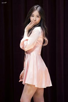 Fly kisses by SinB Bubblegum Pop, Kpop Girl Groups, Kpop Girls, Concert Dresses, Sinb Gfriend, G Friend, I Love Girls, Beautiful Asian Girls, Beautiful Ladies