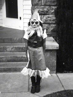 Vintage Halloween costume. Homemade creepiness at its best 彡