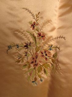"""Evening ensemble Designer: Jeanne Hallée (French, 1880–1914) Date: 1897–98 Culture: European Medium: (a–d) silk; (c, d) leather Accession Number: C.I.62.36.1a–d"" (quote) detail via metmuseum.org"
