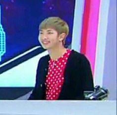 ❝NamJoon: Jin Hyung tengo calor~ Jin: Entonces prende el aire acond… #fanfic # Fanfic # amreading # books # wattpad