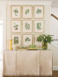 Love, love, love the botanical theme and pleated console table skirt! Design Entrée, Interior Design, All White Room, Table Covers, Botanical Prints, Console Table, Decoration, Family Room, Wall Decor