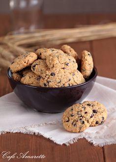 Ciasteczka owsiane z czekoladą i orzechami @cafeamaretto