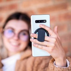The all-new ohsnap transforms your phone into a grip, stand, and magnet, now compatible with Snapcharge, the magnetic wireless charger! Designer Cell Phone Cases, Girl Phone Cases, Iphone Phone Cases, Mobile Accessories, Iphone Accessories, Qr Code Animal Crossing, Phone Gadgets, Tech Gadgets, Wireless Camera