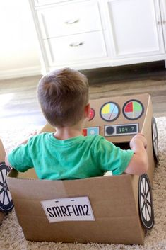 Drive In Movie Summer Fun, free printable, drive-in movie, playdate, summer fun ideas Movie Night For Kids, Movies For Boys, Kid Movies, Cardboard Car, Cardboard Box Crafts, Projects For Kids, Diy For Kids, Crafts For Kids, Art Projects
