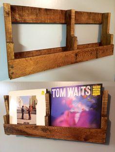 LP pallet storage Record Shelf, Record Display, Vinyl Record Storage, Lp Storage, Record Stand, Lp Regal, Ladder Shelf Diy, Vynil, Pallet Tv Stands