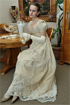 This is Anna, looking bored. Old Dresses, Pretty Dresses, Vintage Dresses, Vintage Outfits, 1800s Fashion, Vintage Fashion, Regency Dress, Regency Era, Jane Austen