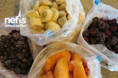 Mevsimlik Meyveleri Dondurma Tarifi nasıl yapılır? 4.232 kişinin defterindeki bu tarifin resimli anlatımı ve deneyenlerin fotoğrafları burada. Yazar: Arzu Ayla