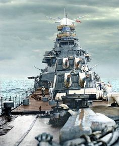 IJN Takao-class heavy cruiser Atago bow, guns and bridge. Naval History, Military History, Cruisers, Colorized History, Model Warships, Heavy Cruiser, Imperial Japanese Navy, Military Pictures, War Machine