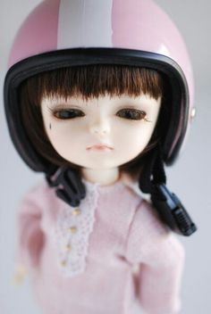 Assecorieses I like, here helmet for safe journey